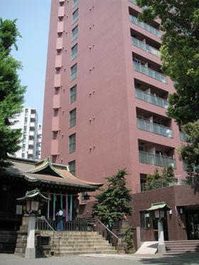 庚申堂のあと、旧道沿いにある池尻稲荷社に行きました。
