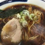 川崎駅の立ち食いそば屋でラーメン