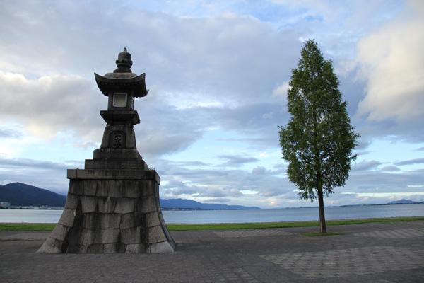 琵琶湖 石場の常夜燈