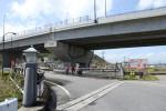 宮川橋の上には国道1号線のバイパスが建設中