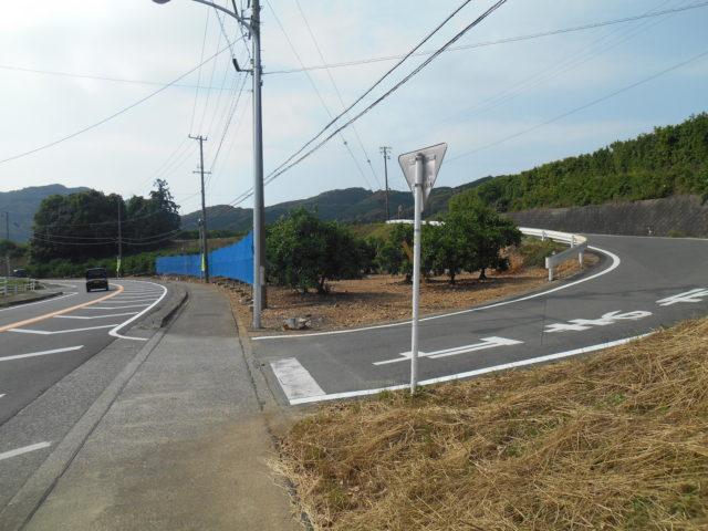 姫街道。じつはこの道は、旧道ではなかった。