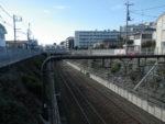 仙川駅。京王線を越えます
