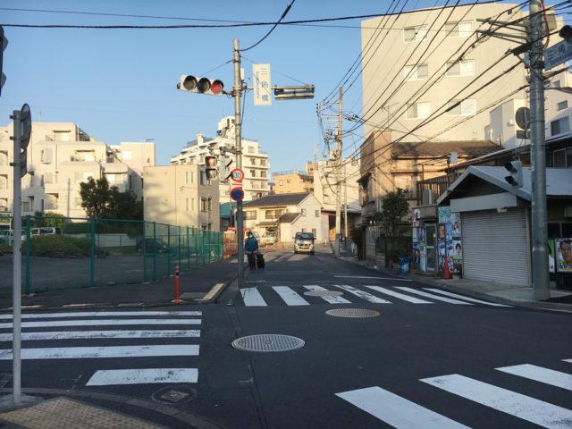 渋谷区、目黒区、世田谷区の三境集合地点である三角橋