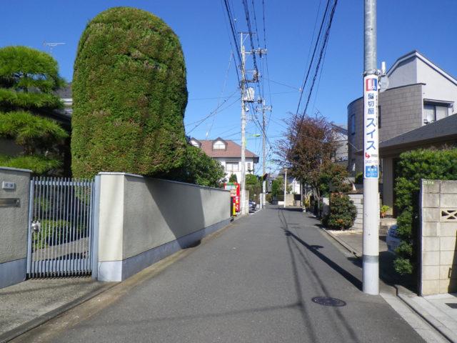 左が狛江市、右が世田谷区