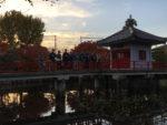 烏山寺町の高原院。鴨池で記念撮影をしました。