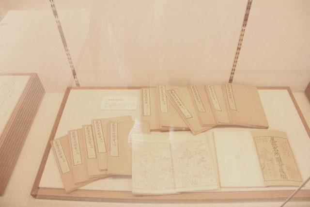 「尾張名所図会」も問屋記念館で展示しています。