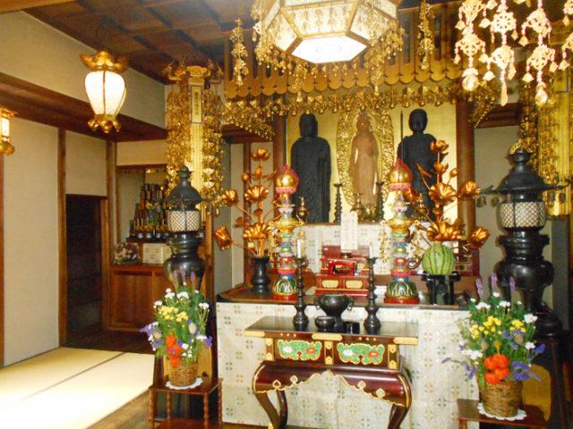 観聴寺の2体の鉄地蔵尊