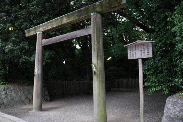 熱田神宮下知麻神社。旗屋町交差点のすぐそばです。