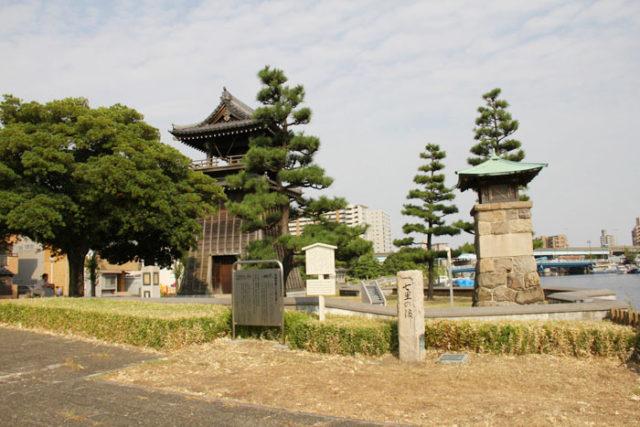 七里の渡しは、現在、七里の渡し公園に整備されています。熱田神宮南の蔵福寺にあった時の鐘が復元されています。