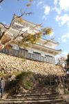 金華山にある復元の岐阜城。
