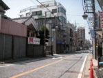 大山街道。二子新地駅から溝ノ口方面へ 川崎市高津区の大山街道はカラー舗装されている