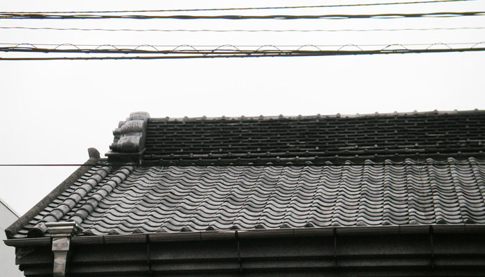 薬屋、灰吹屋の屋根