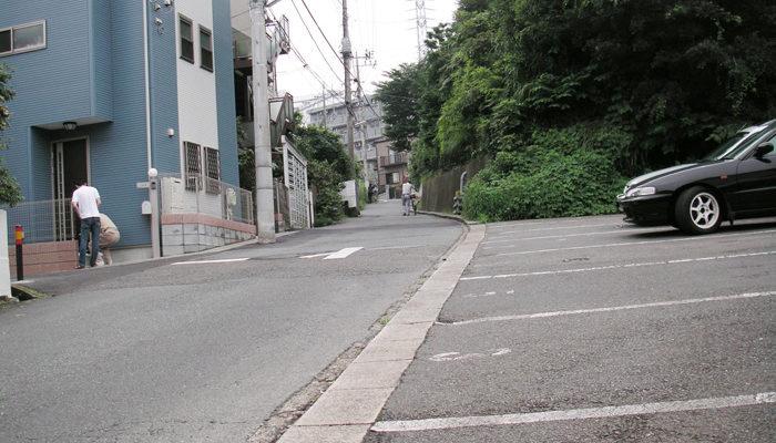 ねもじり坂(別名腹減り坂)