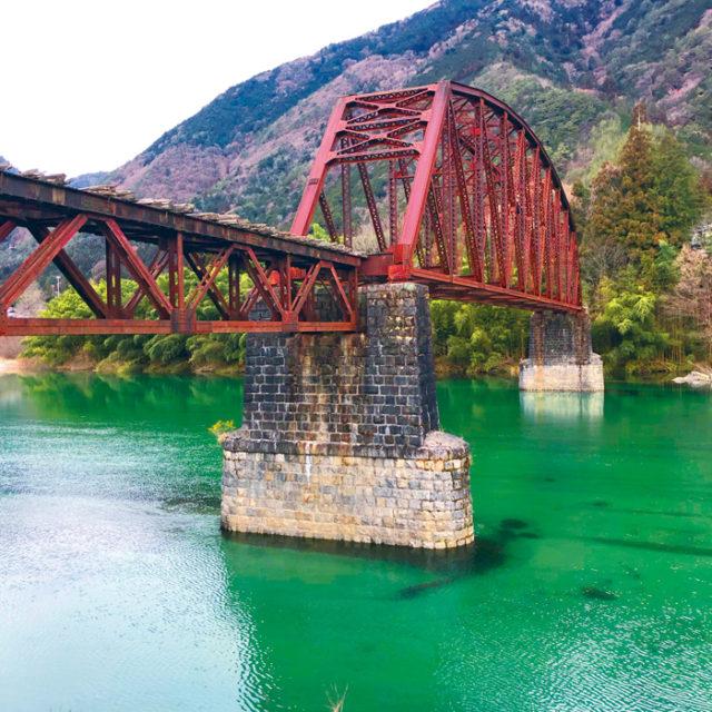 野尻に残る森林鉄道の鉄橋