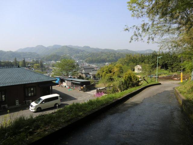 ホントに歩くR412  沓掛坂から愛川町田代方面を臨む
