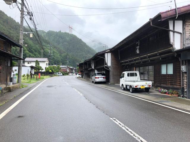 中山道 本山宿の町並み