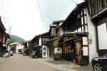 漆工の町、木曽平沢の町並み。