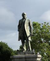 北垣国道京都府知事銅像